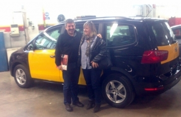 Taxi barcelona Speaking English - Taxi de 6 plazas + conductor Seat Alhambra